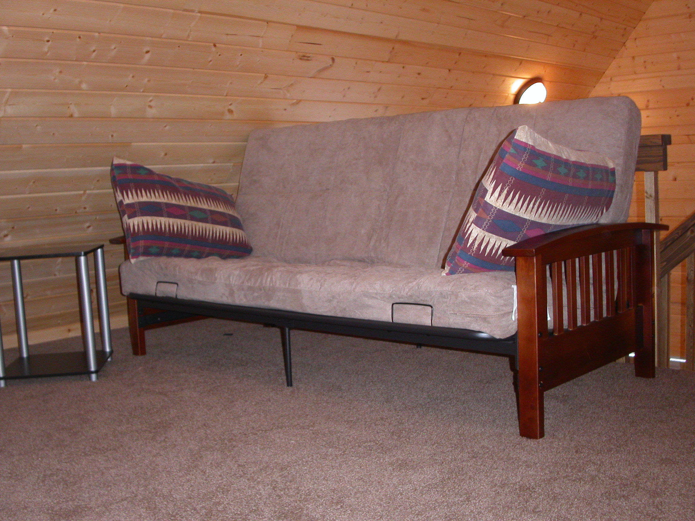 cottage_futon